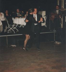 Show-Tango mit Ralf Sartori und Mariejo Reyes bei einem ihrer mehr als hundert Bälle im Hansapalast, München 1996