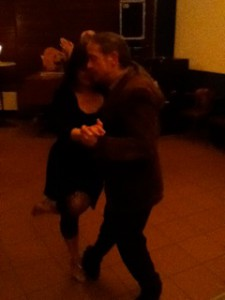 Auf der Dienstags-Milonga in der Tangobar in Inning: Elisabeth und Ralf ...