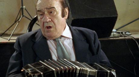 Jose Libertella im Film 12 Tangos von Arne Birkenstock