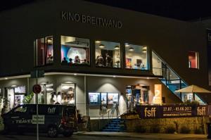 Oben Film und Kino-Milonga, unten Bar, Restaurant und Biergarten, Foto: Pavel Broz