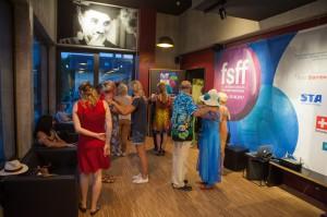 Bei der Tango-Einführung im Rahmen der Kinonacht in Gauting, zwischen Tangofilm und Milona, Foto: Pavel Broz