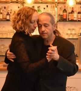 Schnittstelle zwischen Tango und Tresen, als kontemplativer Raum der Stille und Achtsamkeit